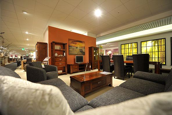 life style im industriedenkmal m bel buhl er ffnet neues m belhaus im alten lokschuppen. Black Bedroom Furniture Sets. Home Design Ideas