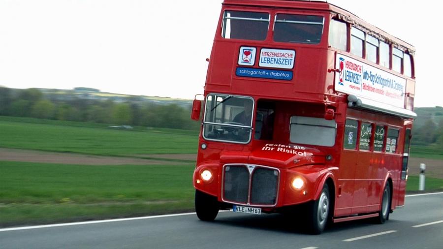 Londonbus1_Herz_Road_2016