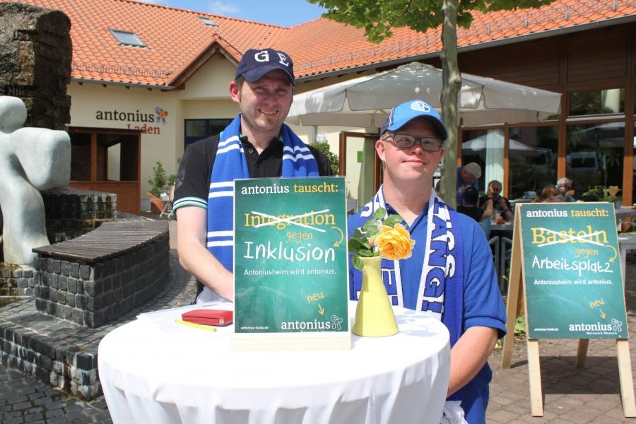 Andreas Sauer und Jörg Wehner leben Inklusion in ihrem Fan-Club.