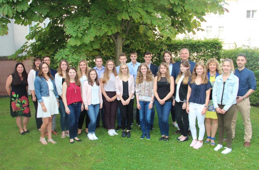 Begrüßung der neuen Auszubildenden und Studierenden bei der ...